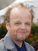portrait of Toby Jones