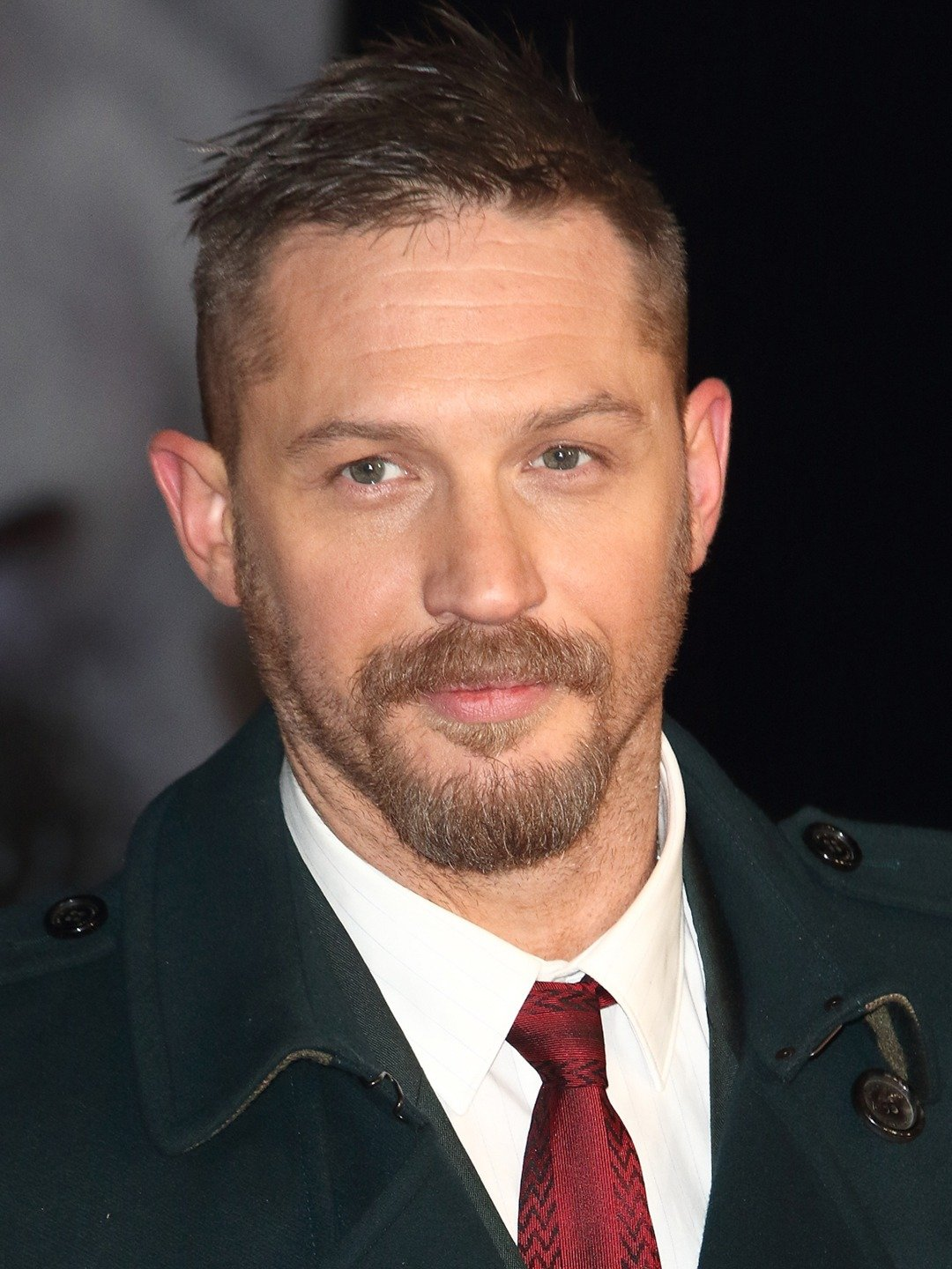 portrait of Tom Hardy