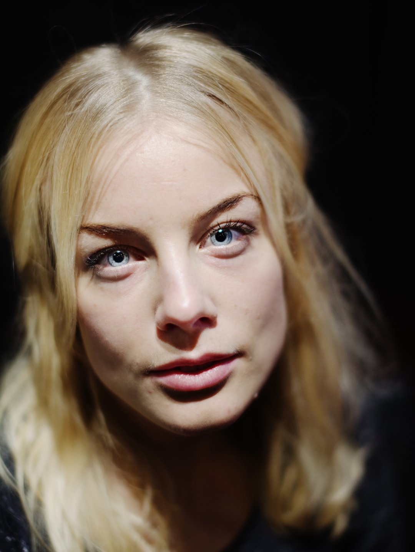 Ida Engvoll Nude Photos 11